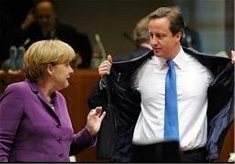 مرکل خواهان باقی ماندن یونان در منطقه یورو شد