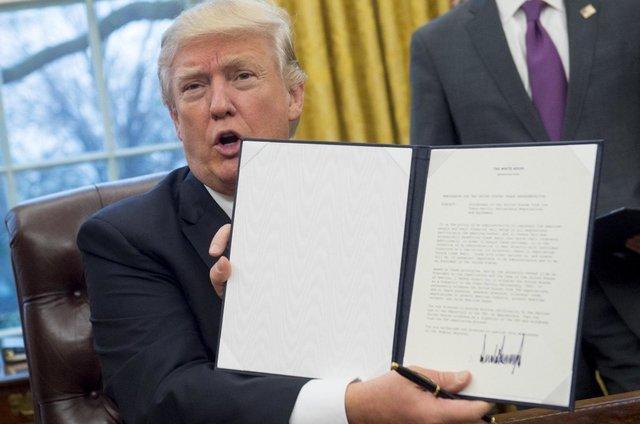 آمریکا از پیمان تجاری اقیانوس آرام (TPP) خارج شد، باقی اعضا به دنبال جایگزینی چین