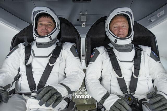 کنفرانس خبری سرنشینان دراگون از ایستگاه فضایی بین المللی