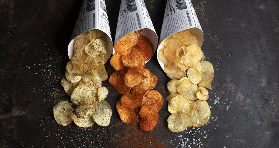 انواع طرز تهیه چیپس سیب زمینی خانگی ساده نمکی، جعفری، پنیری، کچاپ و &hellip