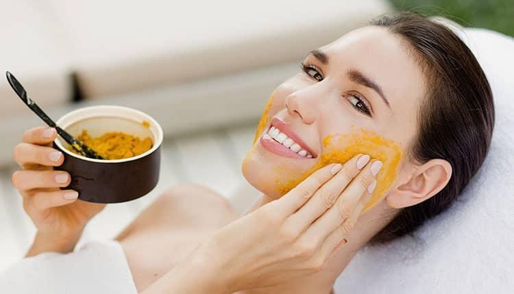 انواع ماسک عسل و زردچوبه ؛ از طرز تهیه تا روش استفاده!