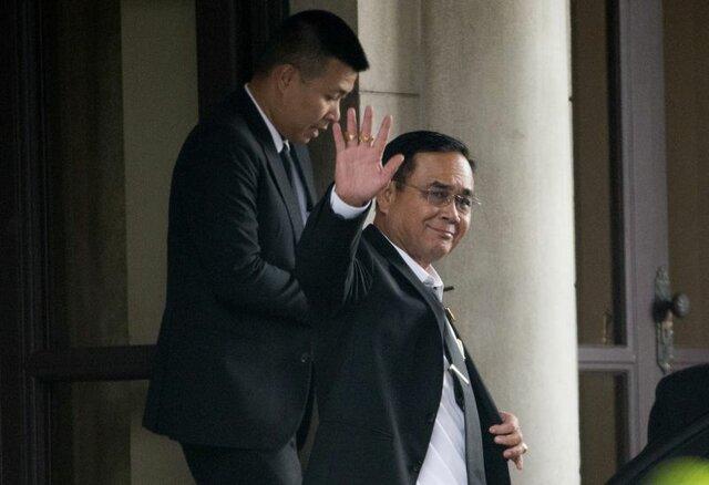 نخست وزیر تایلند ماندنی شد