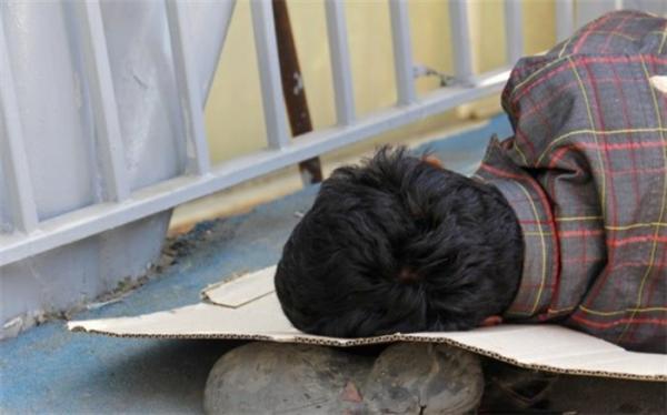 درخواست تزریق واکسن کرونا برای کارتن خواب های پایتخت
