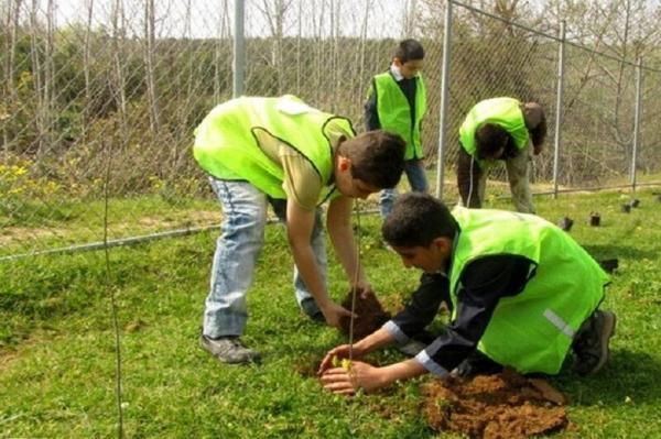 خبرنگاران پویش دانش آموزی مهربانی با طبیعت در کشور کلید خورد