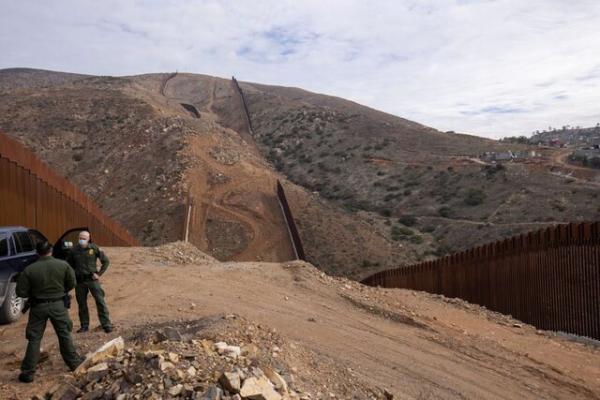 توقف پروژه های دیوار مرزی ترامپ با پول پنتاگون