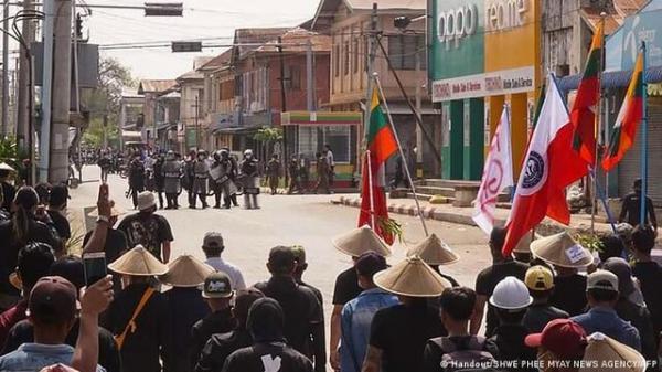 اپوزیسیون میانمار برای مقاومت مسلحانه آماده می گردد