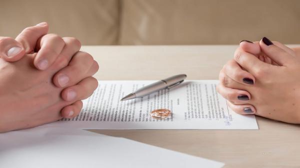 طلاق های صوری برای دریافت حقوق بازنشستگی والدین